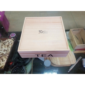 wholesale Custom color solid wooden tea box with compartment
